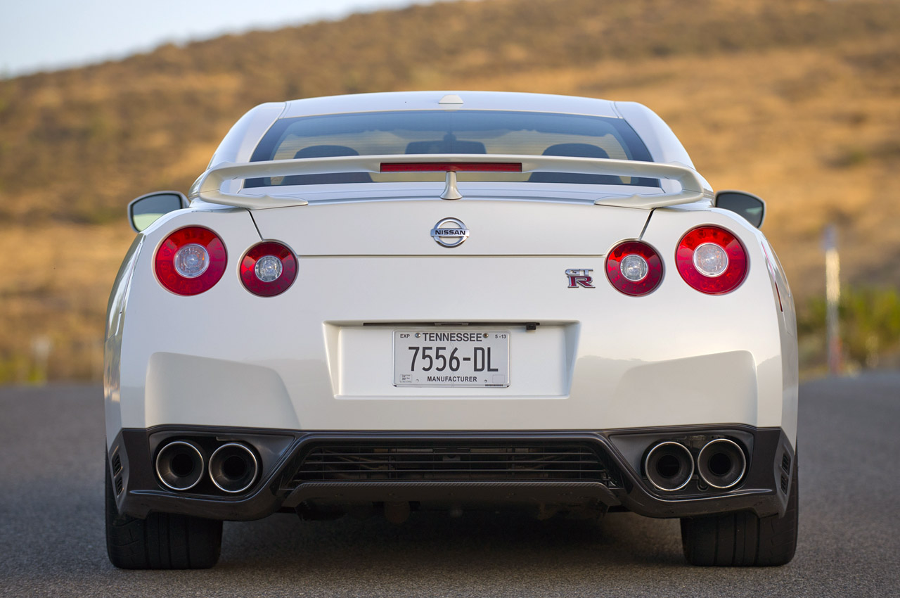 Here Comes the 2014 Nissan GTR Packing a 545 Horsepower Punch